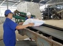 Miễn thuế VAT cho doanh nghiệp phân bón: Lợi bất cập hại